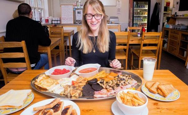 Kartusha: Гигантские блюда за счет заведения